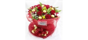Arranjo de Rosas e Flores de Chocolate