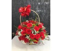 Cesta de Arranjo com 50 Rosas vermelhas nacionais