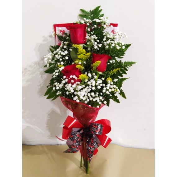ramalhete contendo 3 rosas vermelhas